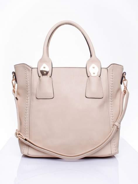 Beżowa torba shopper ze stębnowaniem