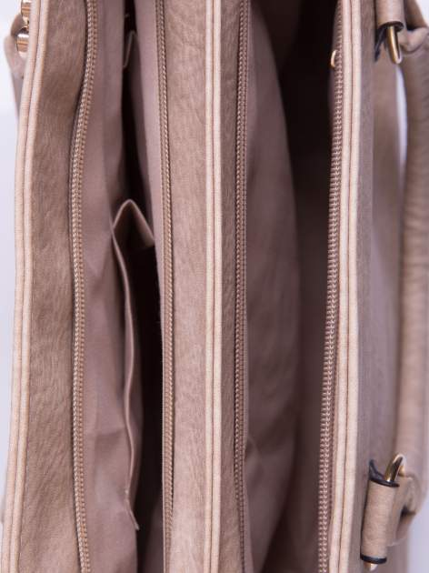 Beżowa torebka ze złotymi okuciami z kryształkami                                  zdj.                                  4