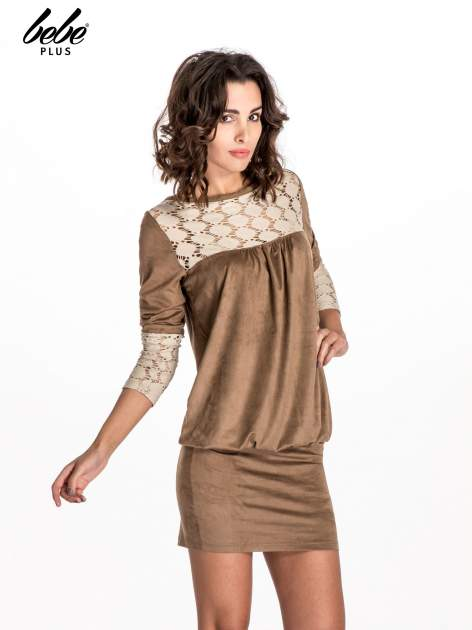 Beżowa zamszowa sukienka z gipiurą                                  zdj.                                  1
