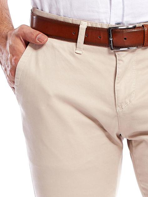 Beżowe bawełniane spodnie męskie chinosy                               zdj.                              5