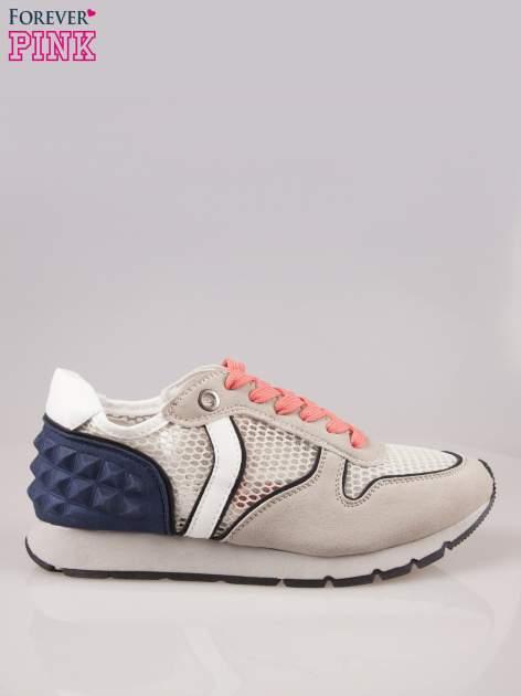 Beżowoniebieskie buty sportowe z siateczką na wysokiej podeszwie