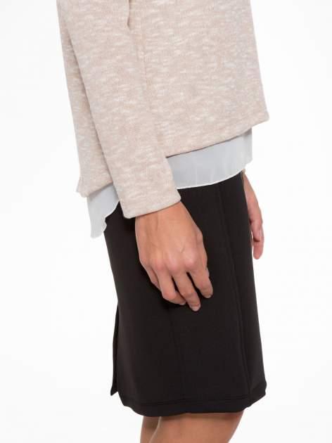 Beżowy sweter z rozcięciem z tyłu                                  zdj.                                  7