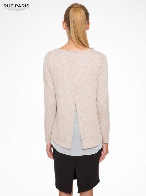 Beżowy sweter z rozcięciem z tyłu                                  zdj.                                  4