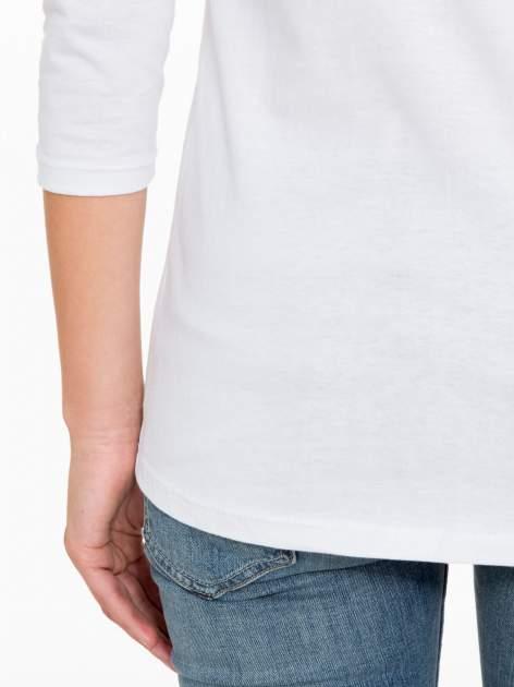 Biała bawełniana bluzka z motywem kwiatowym                                  zdj.                                  10