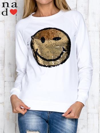 Biała bluza z dwustronną naszywką z cekinów                                  zdj.                                  1
