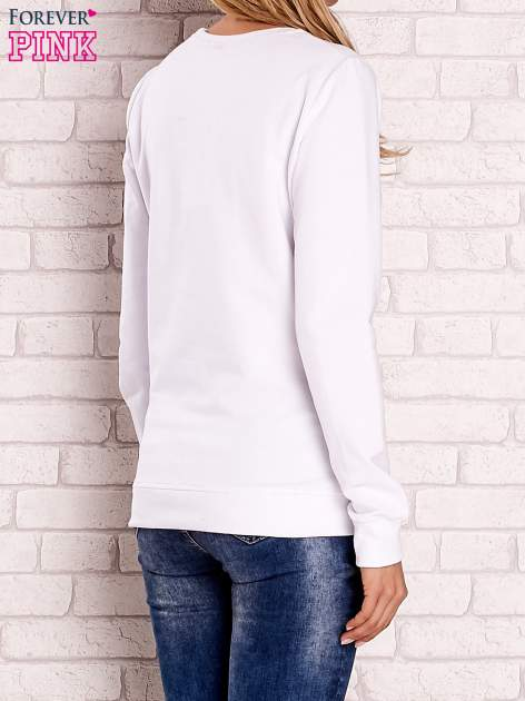 Biała bluza z kolorowymi naszywkami                                  zdj.                                  2
