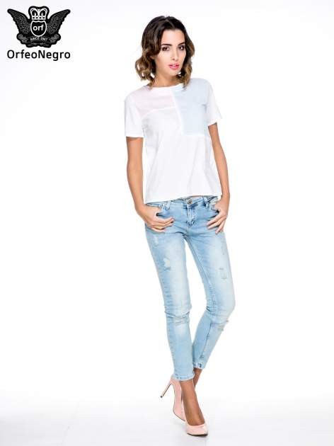 Biała bluzka koszulowa z geometrycznym wzorem                                  zdj.                                  2