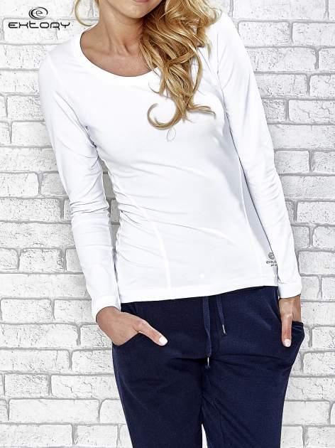 Biała bluzka sportowa z dekoltem U                                  zdj.                                  1