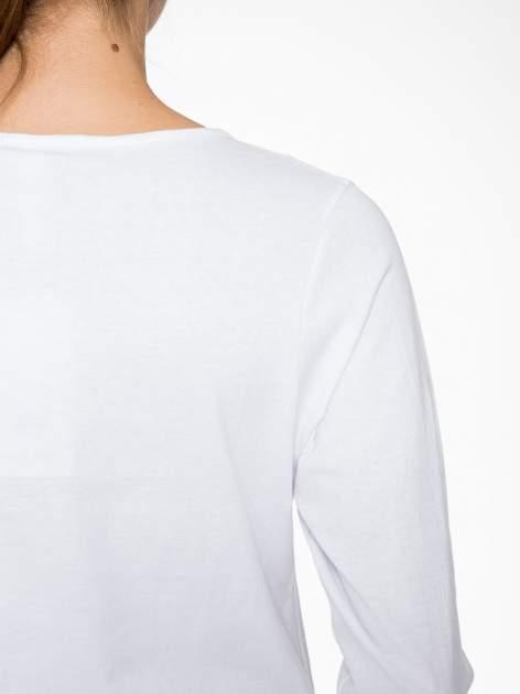 Biała bluzka w stylu fashion z nadrukiem LA VIE EST BELLE                                  zdj.                                  8