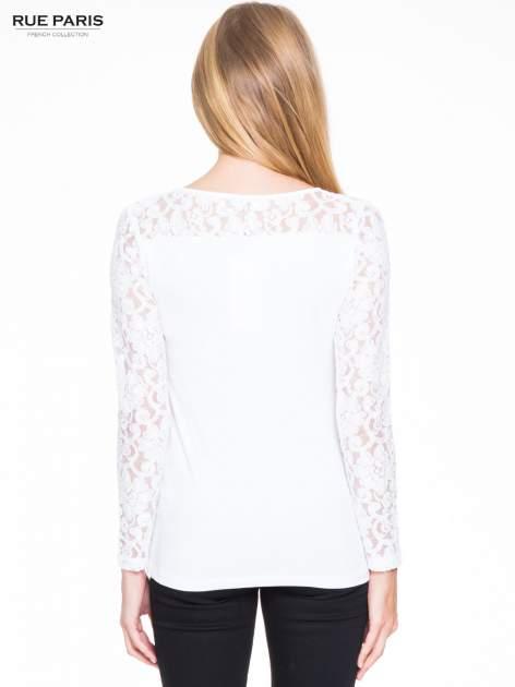Biała bluzka z koronkowymi rękawami                                  zdj.                                  4