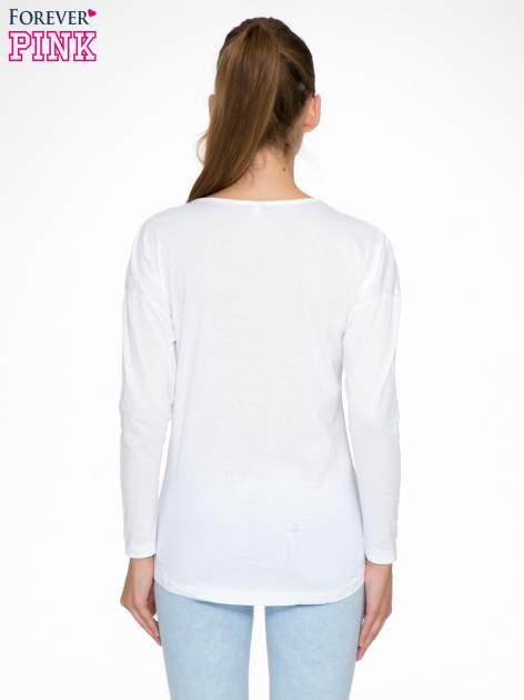 Biała bluzka z nadrukiem kwiatowym i napisem BEAUTY                                  zdj.                                  4