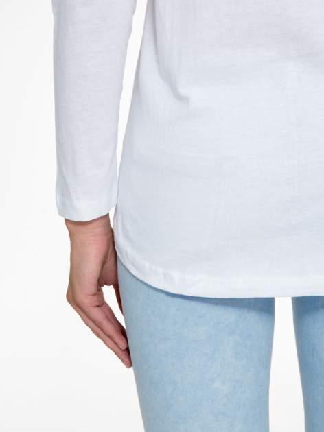Biała bluzka z nadrukiem wilka i brokatowym napisem WOLF                                  zdj.                                  10