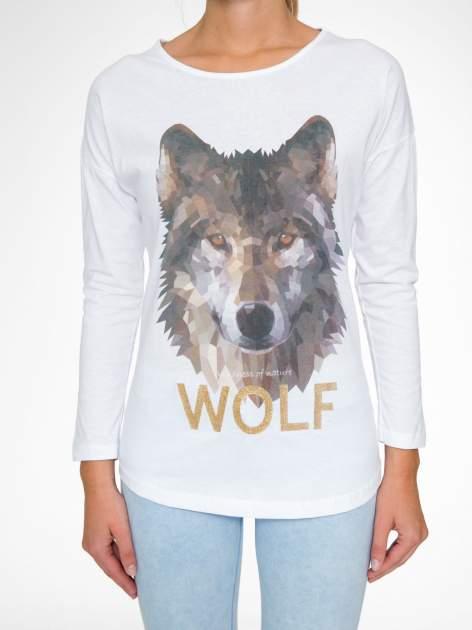 Biała bluzka z nadrukiem wilka i brokatowym napisem WOLF                                  zdj.                                  8