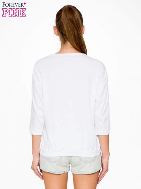 Biała bluzka z rękawem 3/4 i lekkim ściągaczem na dole                                  zdj.                                  4