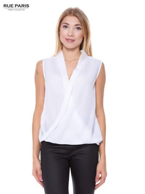 Biała elegancka koszula z kopertowym dekoltem