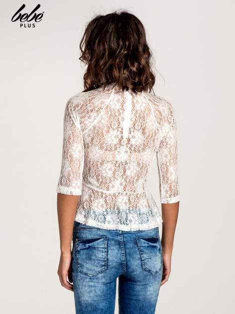 Biała koronkowa bluzka z baskinką                                  zdj.                                  3