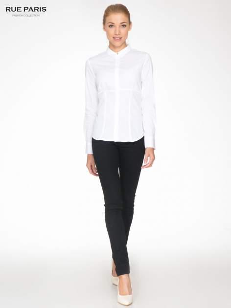 Biała koszula damska odcinana pod biustem z marszczeniem                                  zdj.                                  2