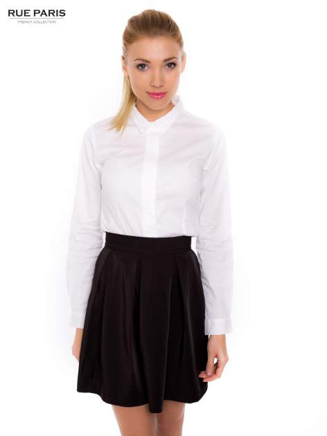Biała koszula z krytą listwą i guzikami perełkami                                  zdj.                                  1