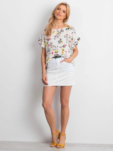 Biała kwiatowa bluzka z falbanami na rękawach                              zdj.                              5