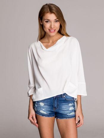 Biała luźna koszula z dekoltem typu woda