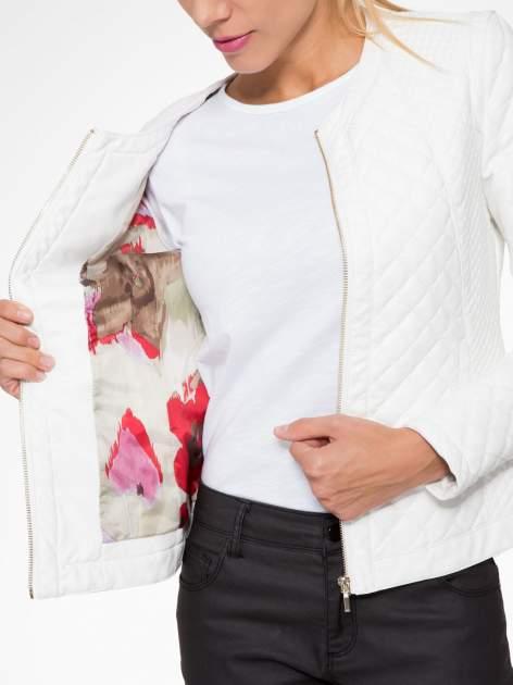Biała pikowana kurtka ze skóry                                  zdj.                                  11