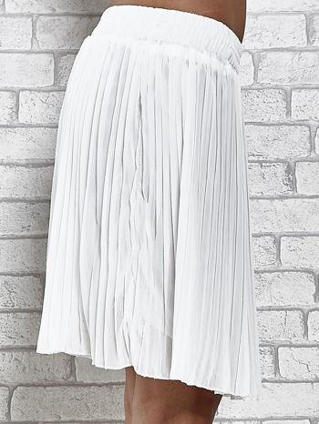 Biała plisowana spódnica do kolan                                  zdj.                                  6