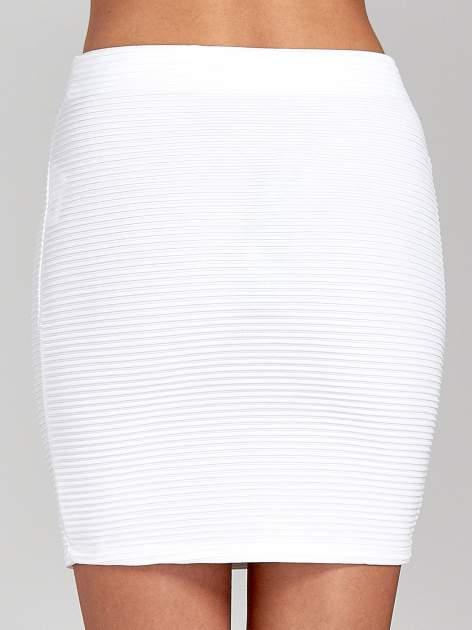 Biała prążkowana mini spódnica tuba z suwakami                                  zdj.                                  7