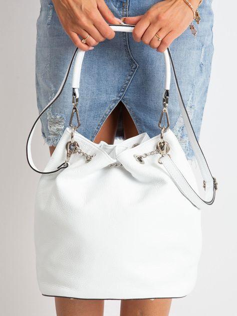 Biała skórzana torba ze ściągaczem                              zdj.                              3