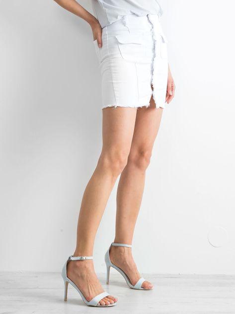 Biała spódnica Buttons                              zdj.                              3