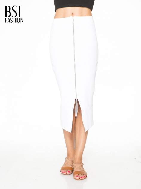 Biała spódnica midi z suwakiem z przodu