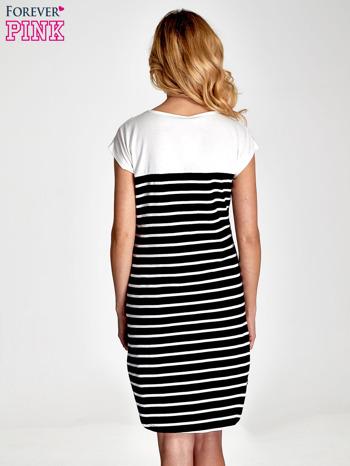 Biała sukienka w czarne paski                                  zdj.                                  2