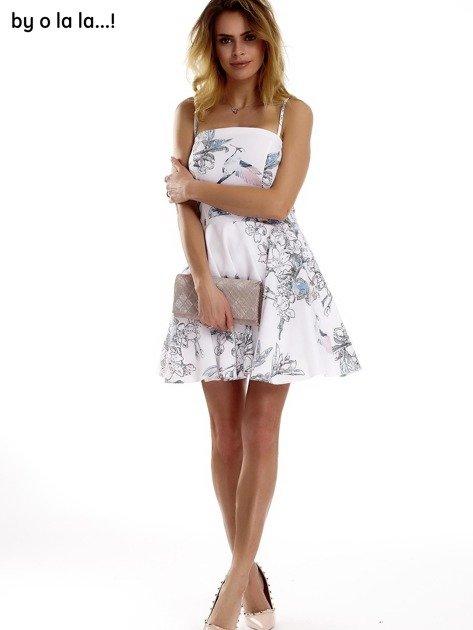 Biała sukienka w malarskie desenie BY O LA LA                                  zdj.                                  2