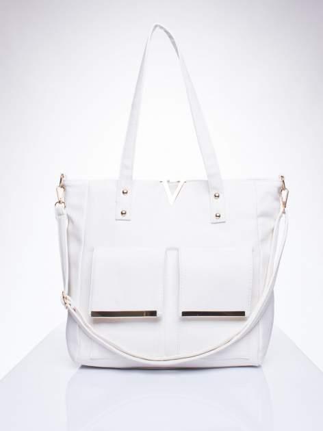 Biała torba shopper bag ze kieszeniami na klapki                                  zdj.                                  1