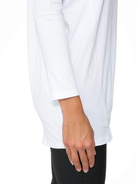 Biała tunika dresowa z kominokapturem i ściągaczem na dole                                  zdj.                                  9