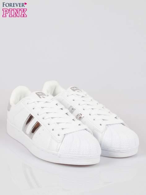 Białe adidasy damskie ze srebrną wstawką                                  zdj.                                  2