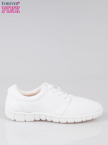 Białe buty sportowe textile Superior na podeszwie flex                                  zdj.                                  1