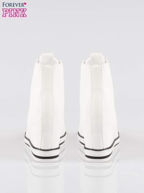 Białe klasyczne trampki na koturnie sneakersy                                  zdj.                                  3