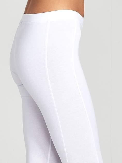 Białe legginsy sportowe z drapowaniem                                  zdj.                                  5