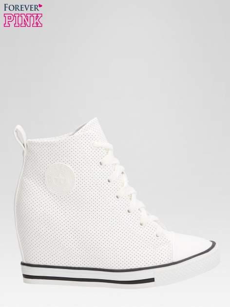 Białe sneakersy damskie z siateczką                                  zdj.                                  1
