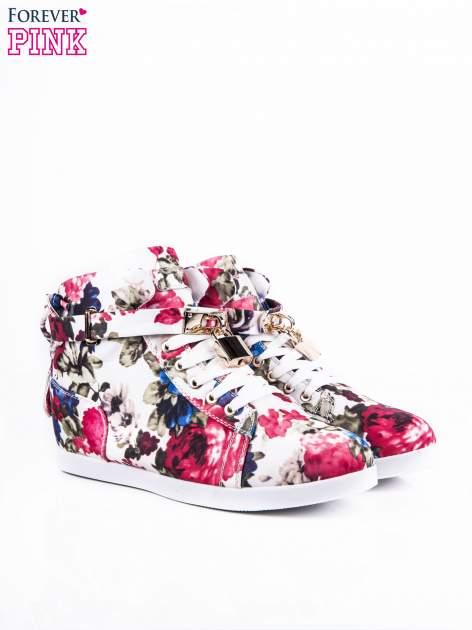 Białe sneakersy z kwiatowym motywem                                  zdj.                                  2