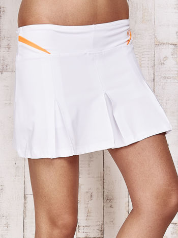 Białe spodenki spódniczka tenisowa z pomarańczowymi wstawkami                                  zdj.                                  4