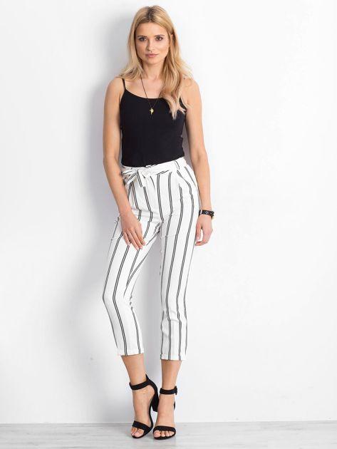 Białe spodnie Bespoke                              zdj.                              4