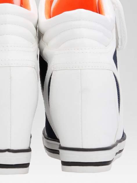 Białe sportowe sneakersy damskie z siateczką                                  zdj.                                  8