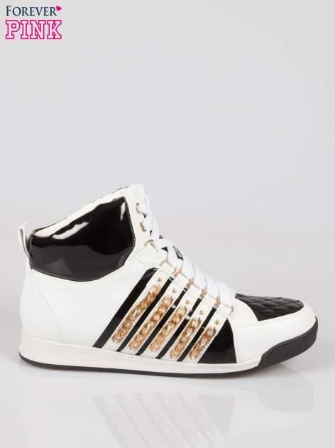 Biało-czarne sneakersy z łańcuszkami