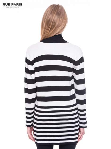 Biało-czarny pasiasty otwarty sweter kardigan z prążkowanym kołnierzem                                  zdj.                                  4