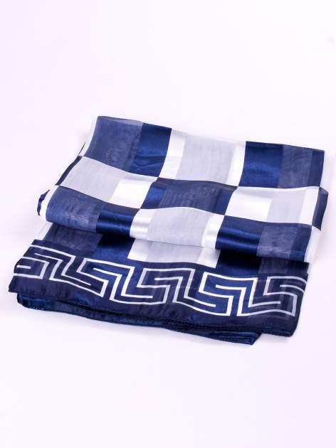 Biało-niebieska chusta apaszka we wzór geometryczny                                  zdj.                                  3