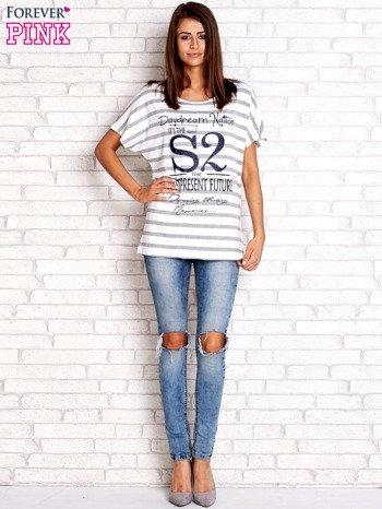 Biało-szary t-shirt w paski z napisem DAYDREAM NATION                                  zdj.                                  4