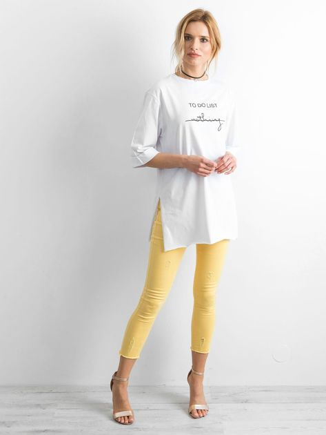 Biały długi t-shirt z napisem                              zdj.                              4