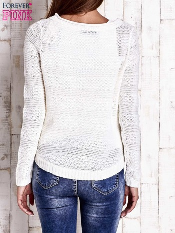 Biały dziergany sweter                                  zdj.                                  4