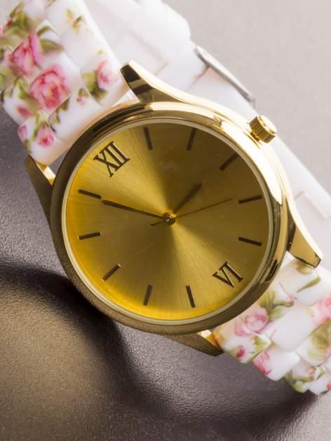 Biały kwiatowy zegarek damski ze złotą tarcżą                                  zdj.                                  1